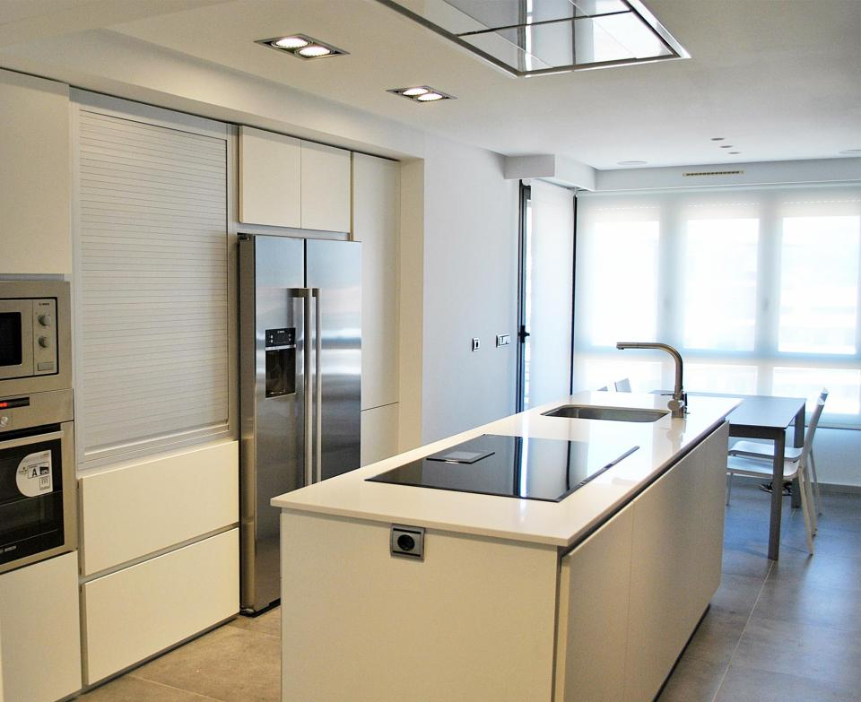 Cocina al detalle bastida sukaldeak - Cocinas con frigorifico americano ...