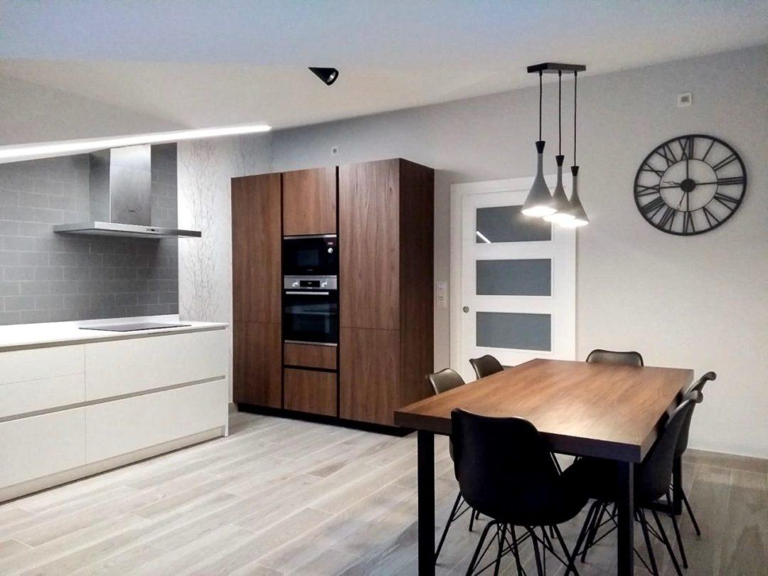 Cocina espaciosa y luminosa